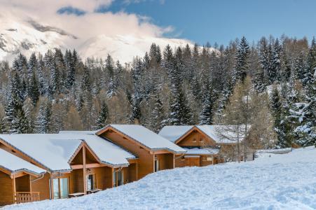 Location au ski Résidence Chalets Margot - Superdévoluy - Extérieur hiver