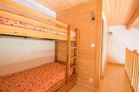 Rent in ski resort Résidence Chalets Margot - Superdévoluy - Bunk beds