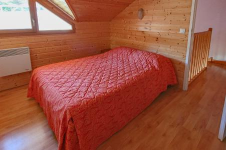 Location au ski Résidence Chalets Margot - Superdévoluy - Chambre mansardée