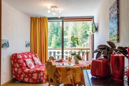 Location au ski Résidence Chalets Margot - Superdévoluy - Porte-fenêtre donnant sur balcon