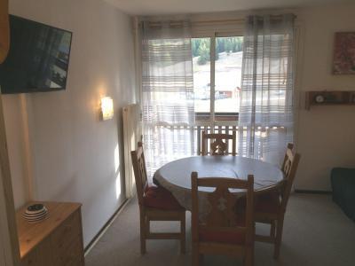 Rent in ski resort Studio 4 people (BA0253S) - Résidence le Bois d'Aurouze - Superdévoluy - Dining area