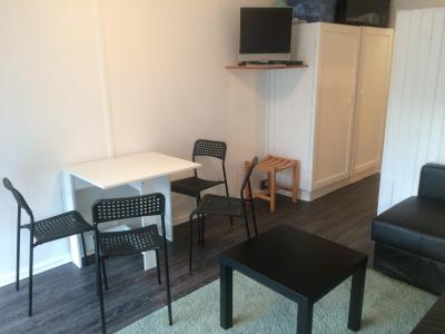 Rent in ski resort Studio sleeping corner 4 people (BA0106S) - Résidence le Bois d'Aurouze - Superdévoluy - Table