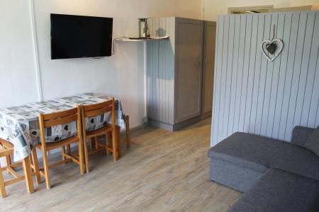 Rent in ski resort Studio sleeping corner 4 people (BA0922S) - Résidence le Bois d'Aurouze - Superdévoluy - Living room