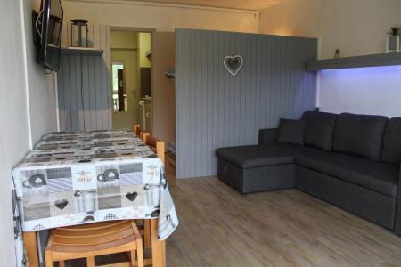 Rent in ski resort Studio sleeping corner 4 people (BA0922S) - Résidence le Bois d'Aurouze - Superdévoluy - Table