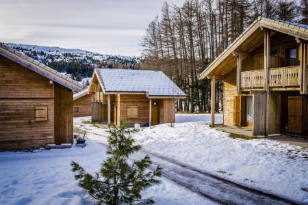 Vacances en montagne Résidence le Hameau du Puy - Superdévoluy - Extérieur hiver