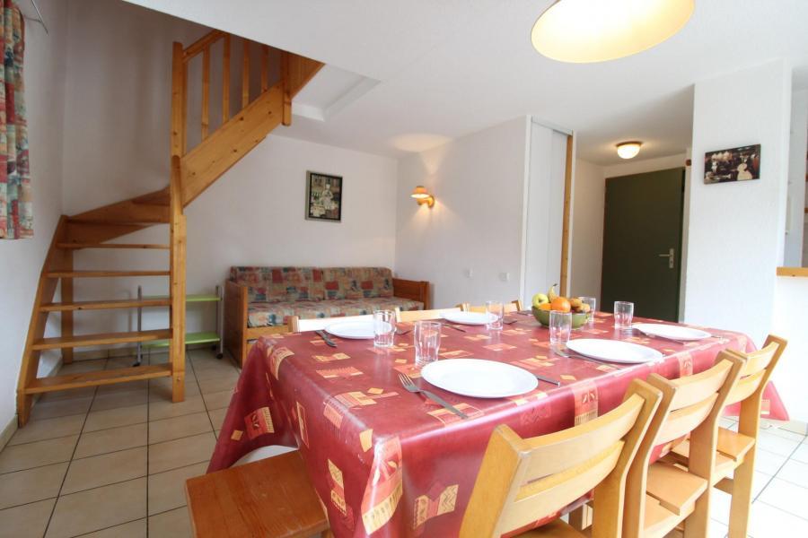 Location au ski Appartement duplex 3 pièces 8 personnes (30) - Résidence le Petit Mont Cenis - Termignon-la-Vanoise - Table