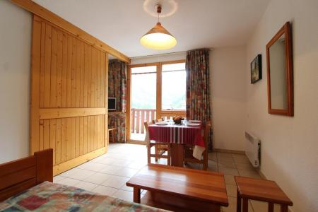 Location au ski Appartement 2 pièces 4 personnes (9) - Résidence le Petit Mont Cenis - Termignon-la-Vanoise - Table