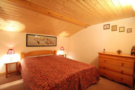 Location au ski Appartement 2 pièces mezzanine 6 personnes (26) - Résidence le Petit Mont Cenis - Termignon-la-Vanoise - Chambre mansardée