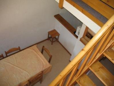 Location au ski Appartement 2 pièces mezzanine 6 personnes (31) - Residence Le Petit Mont Cenis - Termignon-la-Vanoise - Escalier