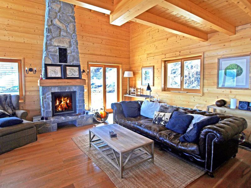 Rent in ski resort Chalet Aurore - Thyon - Fireplace