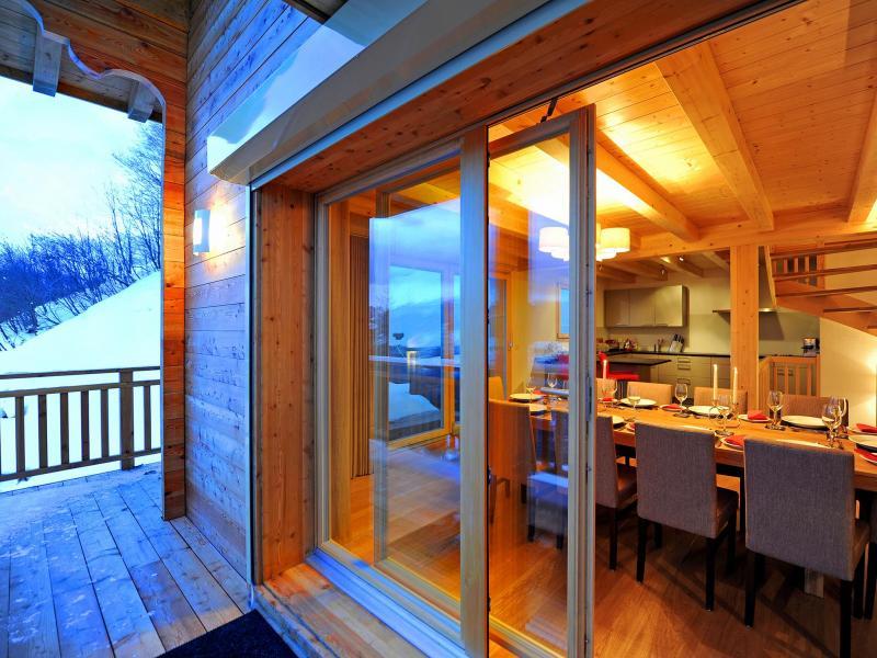 Soggiorno sugli sci Chalet Brock - Thyon - Porta-finestra affacciata sul balcone