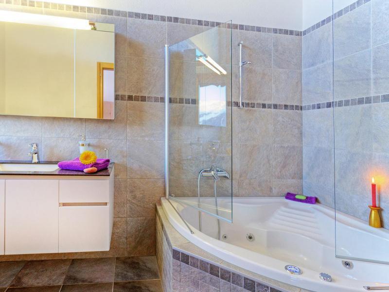 Rent in ski resort Chalet Teychenne - Thyon - Balneo bath-tub