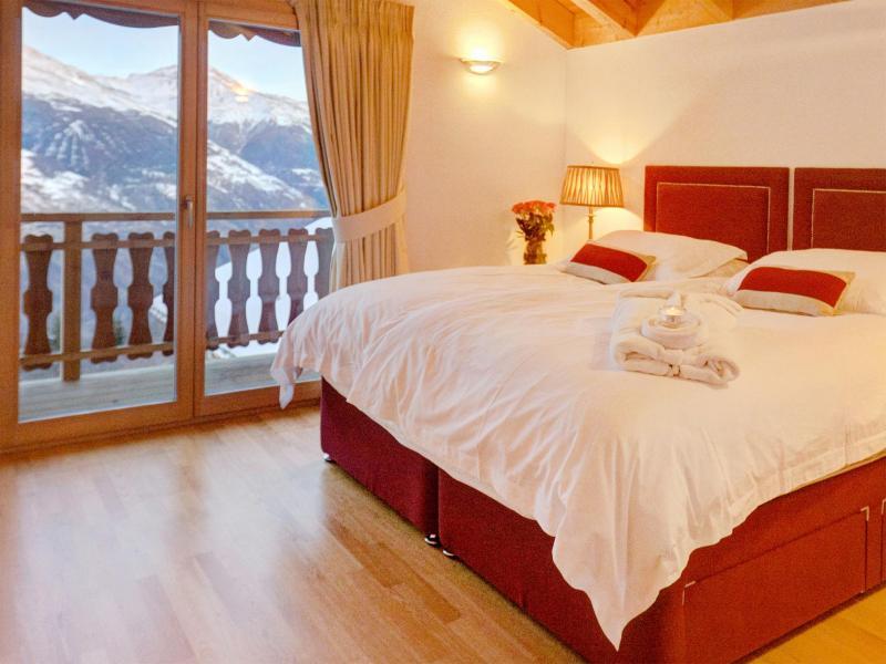 Rent in ski resort Chalet Teychenne - Thyon - Bedroom under mansard