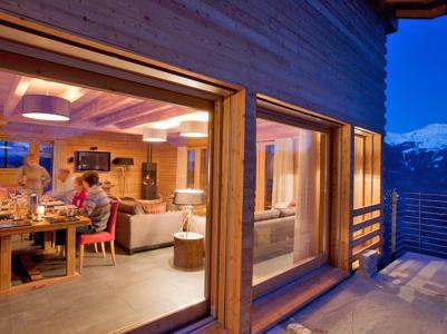 Location au ski Chalet Dargan - Thyon - Porte-fenêtre donnant sur balcon