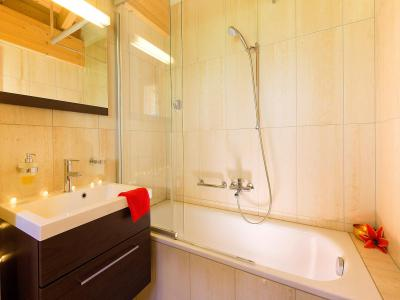 Rent in ski resort Chalet Etoile des 4 Vallées - Thyon - Bath-tub