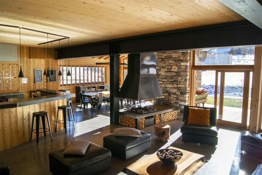 Rent in ski resort Chalet Alpinium 1 - Tignes - Fireplace