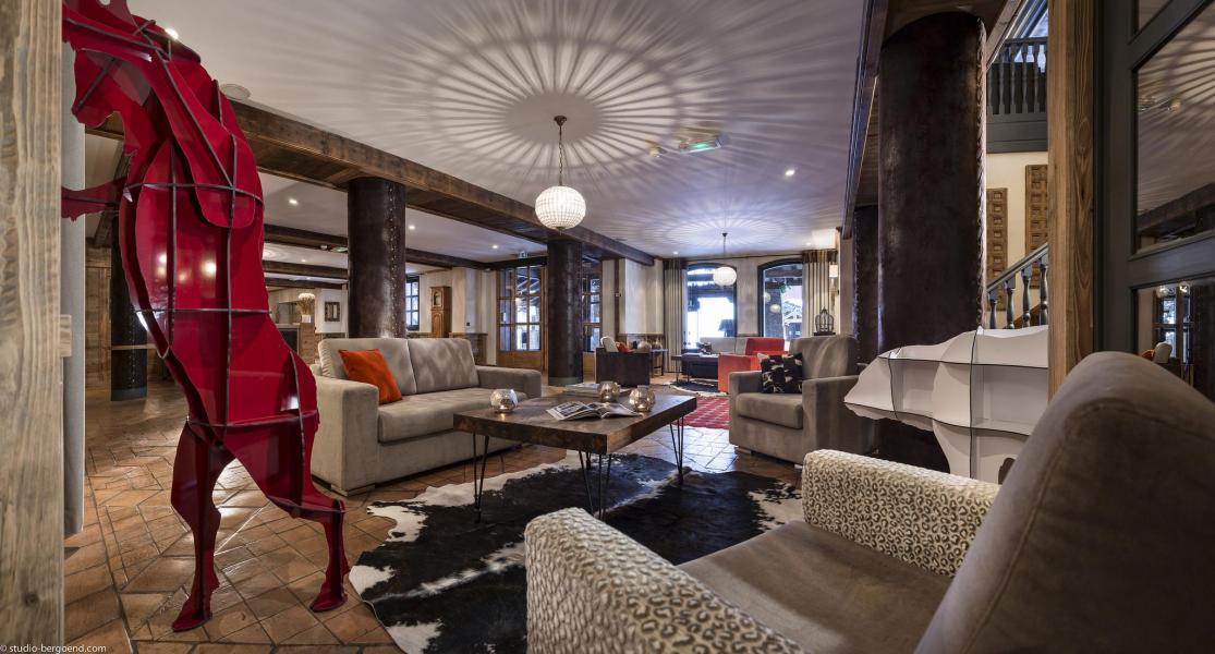 H tel village montana 10 tignes location vacances ski for Hotel au ski