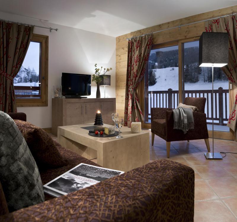 Skiverleih Résidence le Lodge des Neiges - Tignes - Wohnzimmer