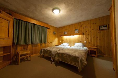 Rent in ski resort Chalet Chardonnet - Tignes - Bedroom