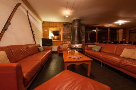 Rent in ski resort Chalet Chardonnet - Tignes - Bench seat