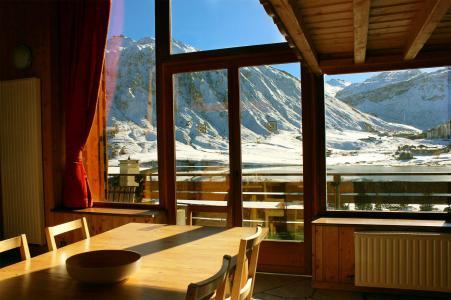 Rent in ski resort Chalet Iceberg - Tignes - Table