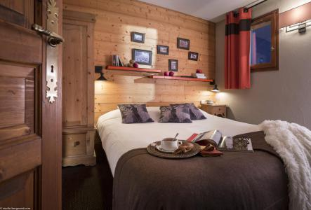 Rent in ski resort 4 room apartment 6 people - Chalet le Planton - Tignes - Bedroom