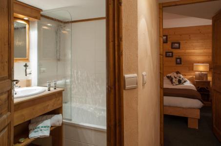 Rent in ski resort Chalet le Planton - Tignes - Bathroom