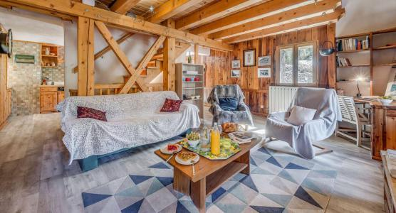Rent in ski resort 4 room chalet 10 people (CH) - Chalet les Racines - Tignes - Living room