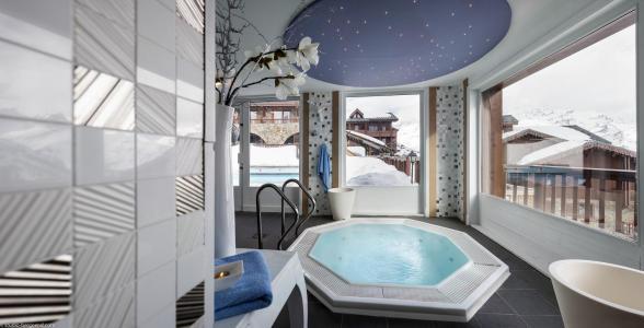 Rent in ski resort Hôtel Village Montana - Tignes - Jacuzzi