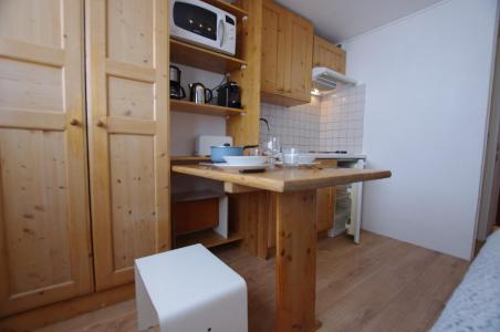 Rent in ski resort Studio 2 people (515CL) - La résidence le Palafour - Tignes - Table
