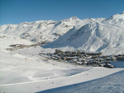 Rent in ski resort Résidence Chalet Club - Tignes - Winter outside