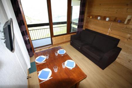 Rent in ski resort Studio sleeping corner 4 people (121CL) - Résidence Home Club 1 - Tignes - Living room