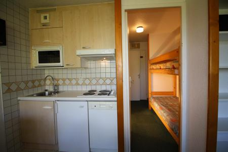 Rent in ski resort Studio sleeping corner 4 people (137CL) - Résidence Home Club 2 - Tignes - Kitchenette