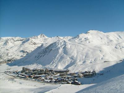 Rent in ski resort Résidence le Prariond A - Tignes - Winter outside