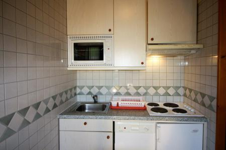 Rent in ski resort Studio sleeping corner 4 people (C6CL) - Résidence les Roches Rouges C - Tignes - Kitchenette