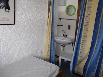 Location au ski Appartement 2 pièces mezzanine 6 personnes (005) - Residence Les Volnets V - Tignes - Lavabo