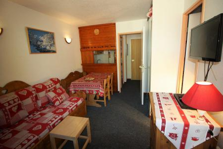 Rent in ski resort Studio cabin 4 people (106CL) - Résidence Rond Point des Pistes - Tignes - Living room