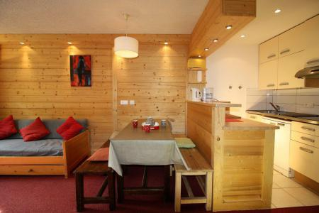 Rent in ski resort 2 room apartment sleeping corner 6 people (32CL) - Résidence Tour du Lac - Tignes - Living room