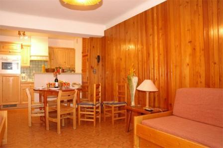 Location au ski Appartement 2 pièces 5 personnes (003) - Residence Jorcin Lanslebourg - Val Cenis - Table