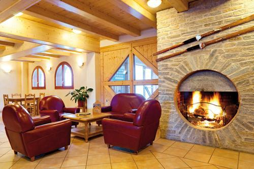 Location au ski Residence Lagrange Les Valmonts De Val Cenis - Val Cenis - Cheminée