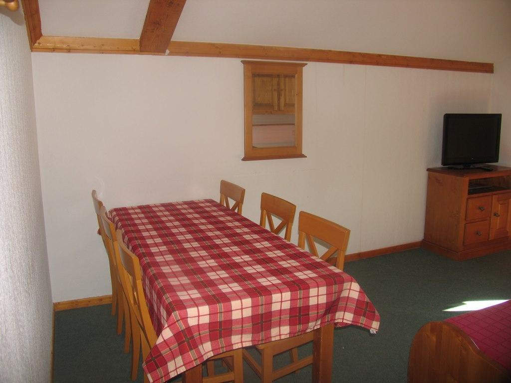 Location au ski Appartement 3 pièces 6 personnes (32) - Residence Valmonts - Val Cenis - Coin repas