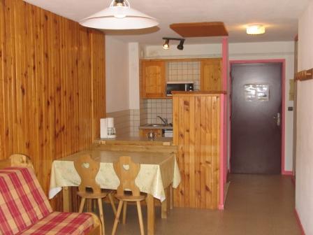 Location au ski Appartement 2 pièces 5 personnes (BO14) - Residences Du Quartier Napoleon - Val Cenis - Table