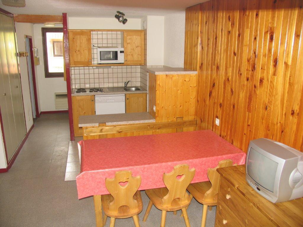 Location au ski Appartement 3 pièces 7 personnes (AR21) - Residences Du Quartier Napoleon - Val Cenis - Table