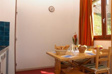 Location au ski Studio 3 personnes (01) - Residences Du Quartier Napoleon - Val Cenis - Table