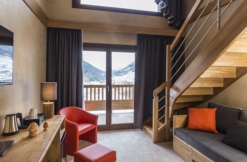 Location au ski Hôtel Saint Charles Val Cenis - Val Cenis - Escalier