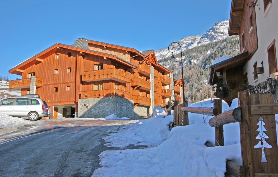 Rent in ski resort Les Balcons de Val Cenis le Haut - Val Cenis - Winter outside