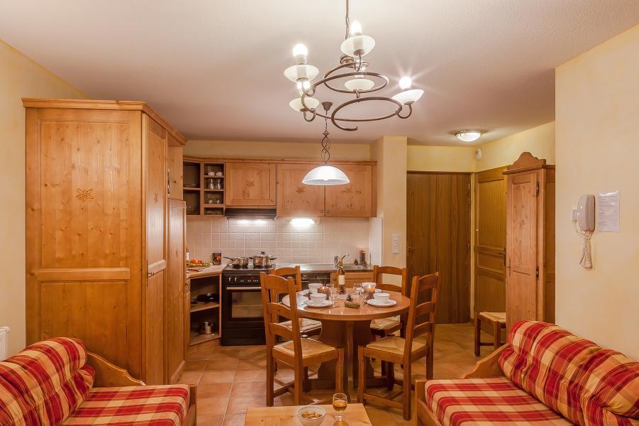 Rent in ski resort Les Balcons de Val Cenis Village - Val Cenis - Open-plan kitchen