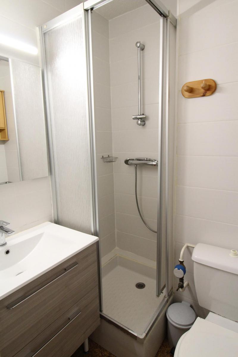 Location au ski Appartement 2 pièces 4 personnes (005) - Résidence Chevallier - Val Cenis - Baignoire