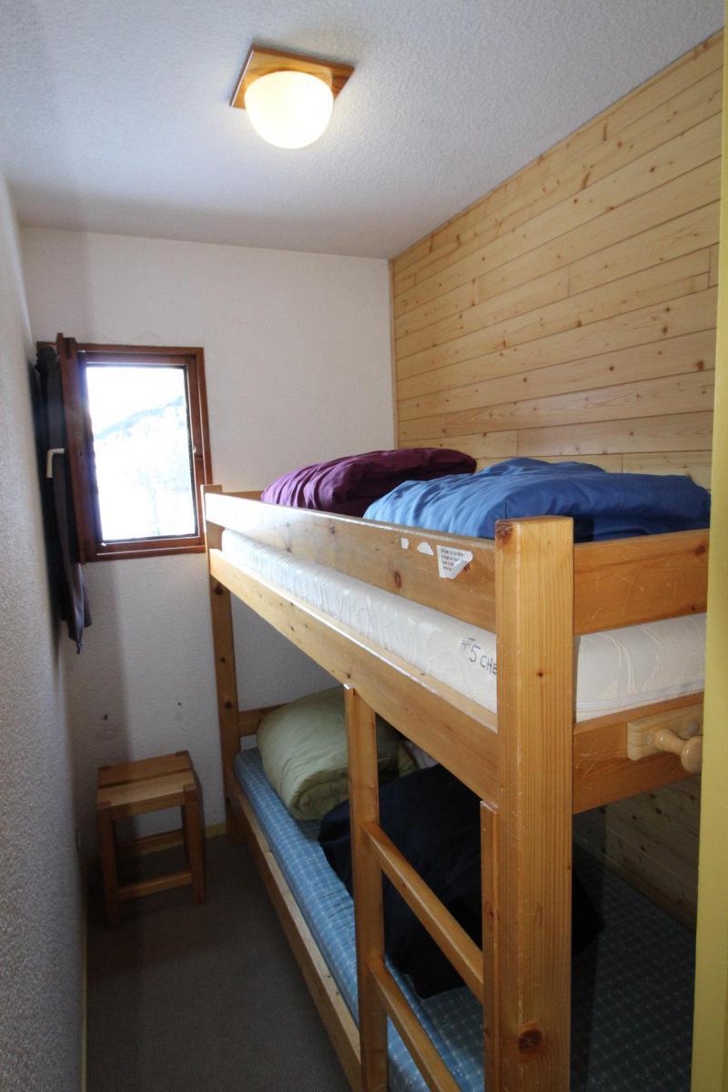 Location au ski Appartement 2 pièces 4 personnes (005) - Résidence Chevallier - Val Cenis - Lits superposés