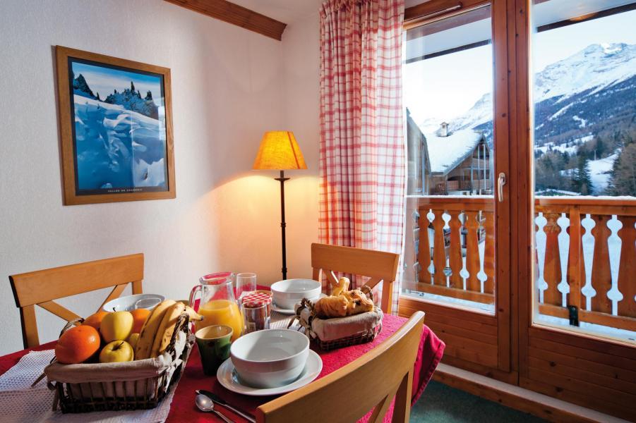 Location au ski Résidence Lagrange les Valmonts de Val Cenis - Val Cenis - Coin repas